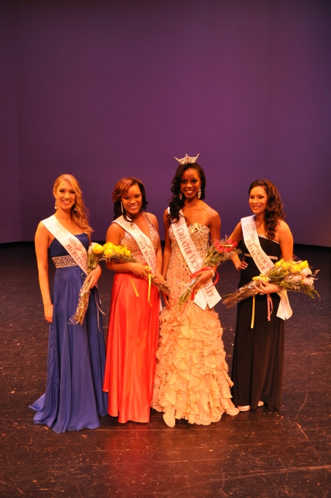 Miss Greater Victor Valley 2013 and her Court
